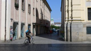 4020 Linz, �sterreich ( 1. September 2015)